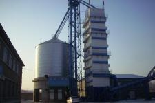60吨玉米烘干机图